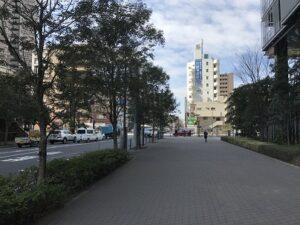 ラゾーナ川崎前の道
