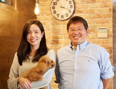 シーネット結婚相談所の婚活カウンセラー:内海りよこ(左)、内海秀治(右)