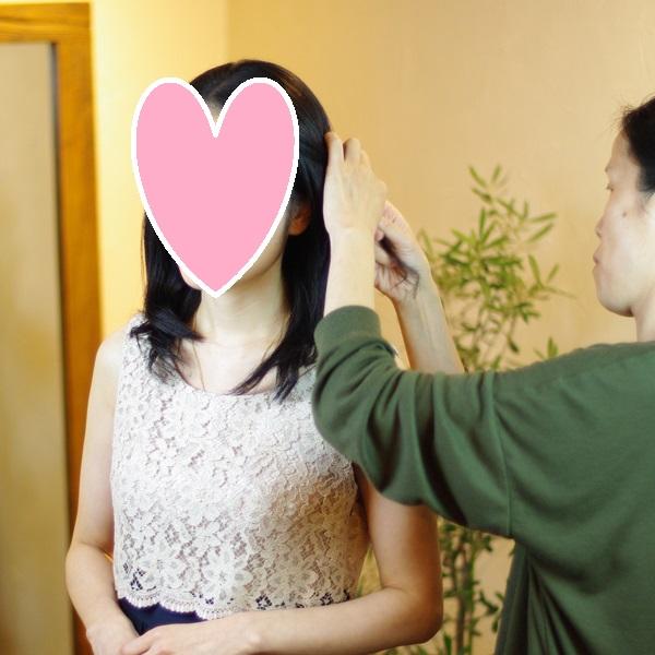 結婚相談所のサポートの例:お見合い写真撮影。ヘアスタイルのアレンジ