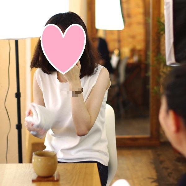 結婚相談所のサポートの例:お見合い写真撮影後の雑談風景